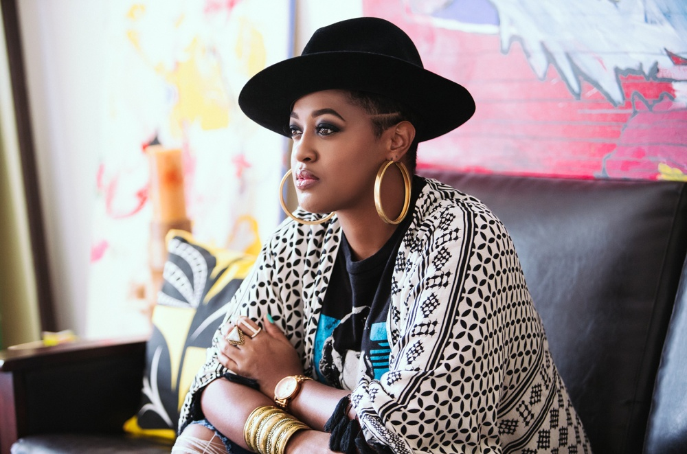 20 Female Rappers You Need to Be Checking For – Earthtotia